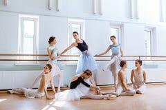 Siedem balerin przy baleta barem Obrazy Royalty Free