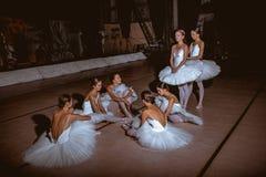 Siedem balerin za scenami teatr Fotografia Royalty Free