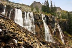 Siedem Przesłaniają spadki, Jeziorny O'Hara, Yoho park narodowy, Kanada obraz stock