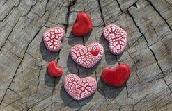 Siedem serc na drewnie Obraz Stock