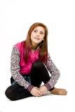 Siedzący moda portret młoda piękna dziewczyna zdjęcie royalty free