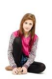 Siedzący moda portret młoda piękna dziewczyna obraz royalty free