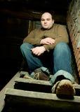siedząc po schodach Zdjęcia Royalty Free