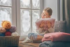 siedzący dziewczyny okno Zdjęcie Royalty Free