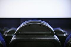 Siedzenia w wnętrzu kino zdjęcia royalty free