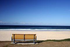 siedzenie na plaży Zdjęcia Stock