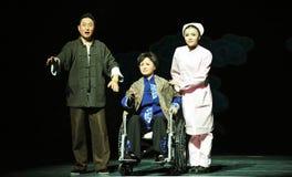 Siedzieć w wózka inwalidzkiego Jiangxi OperaBlue żakiecie Obrazy Stock
