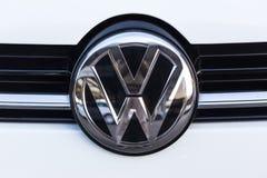 Siegen, Nordrhein-Westfalen/Deutschland - 14 11 18: VW unterzeichnen herein siegen Deutschland lizenzfreie stockbilder