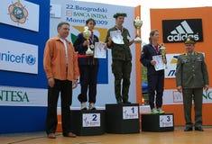 Sieger der 42. Weltmilitär Marathon-Frau lizenzfreies stockbild