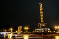 Siegessäule на ноче Берлине, Германии Стоковая Фотография RF