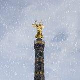 Siegessaeule в зиме Стоковые Изображения