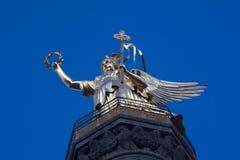 Siegessaeule (Goldelse) i Berlin på aftonen Arkivfoton
