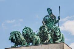 Siegestor, o arco triunfal em Munich, Alemanha fotos de stock