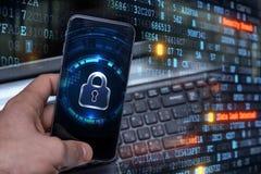 Siekać urządzenia przenośne hackerami Ochrona danych w chmurze zdjęcie stock