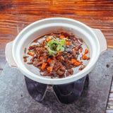 Siekający chili wołowiny porcelany jedzenie obraz royalty free