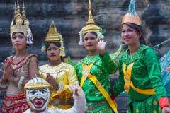 SIEM OOGST, 24 Kambodja-Februari, 2015: Niet geïdentificeerde cambodians in Na Stock Afbeelding