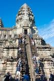 Siem Przeprowadza żniwa, Kambodża, Dec - 05 2016: Goście przy Angkor Wat fama Zdjęcie Stock