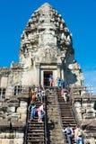 Siem Przeprowadza żniwa, Kambodża, Dec - 05 2016: Goście przy Angkor Wat fama Obrazy Stock