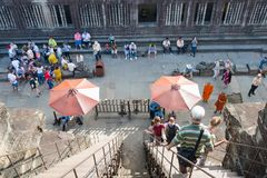 Siem Przeprowadza żniwa, Kambodża, Dec - 05 2016: Goście przy Angkor Wat fama Fotografia Royalty Free