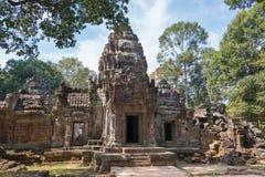 Siem Reap, Камбоджа - 11-ое декабря 2016: Сом животиков в Angkor известная высокая Стоковое фото RF