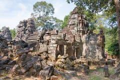 Siem Reap, Камбоджа - 11-ое декабря 2016: Сом животиков в Angkor известная высокая Стоковые Фото