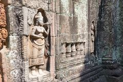 Siem Reap, Cambodge - 11 décembre 2016 : Soulagement au som de ventres dans Angkor a Images libres de droits