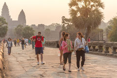 SIEM REAP, CAMBODIA - FEBRUARY 27, 2015 : Unidentified people vi Royalty Free Stock Photos