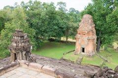 Siem Reap Cambodja - December 01 2016: Bakong i Roluos tempel En gitarr för F Arkivbilder