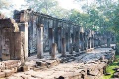 Siem Reap Cambodja - December 08 2016: Bayon tempel i Angkor Thom Royaltyfria Foton