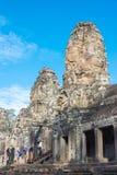 Siem Reap Cambodja - December 08 2016: Bayon tempel i Angkor Thom Arkivfoton