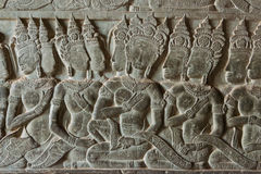Siem Reap, Cambogia - 5 febbraio 2015: Sollievo a Angkor Wat un famoso immagine stock