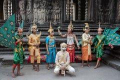 SIEM REAP, KAMBODSCHA - 27. FEBRUAR: Nicht identifiziertes traditionelles Khme stockfotos