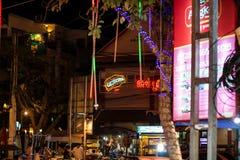 SIEM REAP, KAMBODSCHA 22. MÄRZ 2013: Abendstraße in Siem Reap in Kambodscha Stockfotografie
