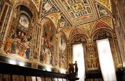 Siena arkiv Piccolomini Royaltyfria Foton