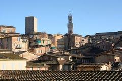 Siena Dächer und Kontrollturm Stockfotografie