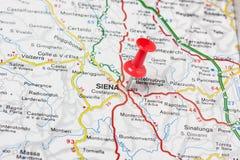 Siena fijó en un mapa de Italia Foto de archivo