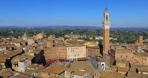 Siena, Italië Gezoem gezien Piazza del Campo stock video