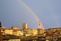 Siena, Italië, met Regenboog Stock Foto's