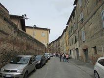 Siena, Italië middeleeuwse stadsstraten Jaren geleden gespaard als honderden van, een stad onder de bescherming van Unesco royalty-vrije stock afbeelding