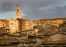 Siena Italia en el resplandor de la última hora de la tarde Imágenes de archivo libres de regalías