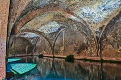 Siena, Italia: la fontana medievale Fontebranda fotografia stock libera da diritti