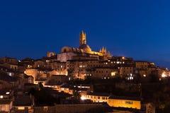 Siena por noche fotografía de archivo libre de regalías