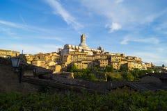 Siena - sikt till duomoen Royaltyfri Fotografi