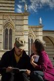 Siena, TUSCANY/ITALY OCT 08 - turysta blisko katedry Zdjęcie Royalty Free