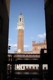 sienna Eingang zu IL-Campo Piazza Del Campo lizenzfreies stockfoto