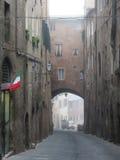 Sienne, vue du centre de la ville dans un jour brumeux Photographie stock libre de droits