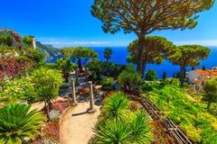 Sier opgeschorte tuin, Rufolo-tuin, Ravello, Amalfi kust, Italië, Europa Royalty-vrije Stock Afbeeldingen