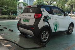 16 Sierpień, 2018 Suzhou miasto, Chiny Źródło zasilania dla elektrycznego samochodu ładować załaduj elektryczny samochód stację 4 obrazy royalty free