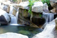 Sierra cascade à écriture ligne par ligne Photo libre de droits