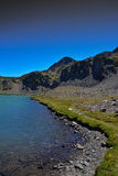 Sierra Nevada Alpine Lake In Fall Lizenzfreie Stockfotografie